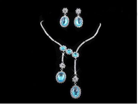 Csillogó esküvői nyakék szett strassz kövekkel és kék  kristályokkal díszítve