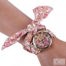 Divatos, nyárias karóra rózsaszín, virágos szövet szíjjal - közepes méretű számlappal